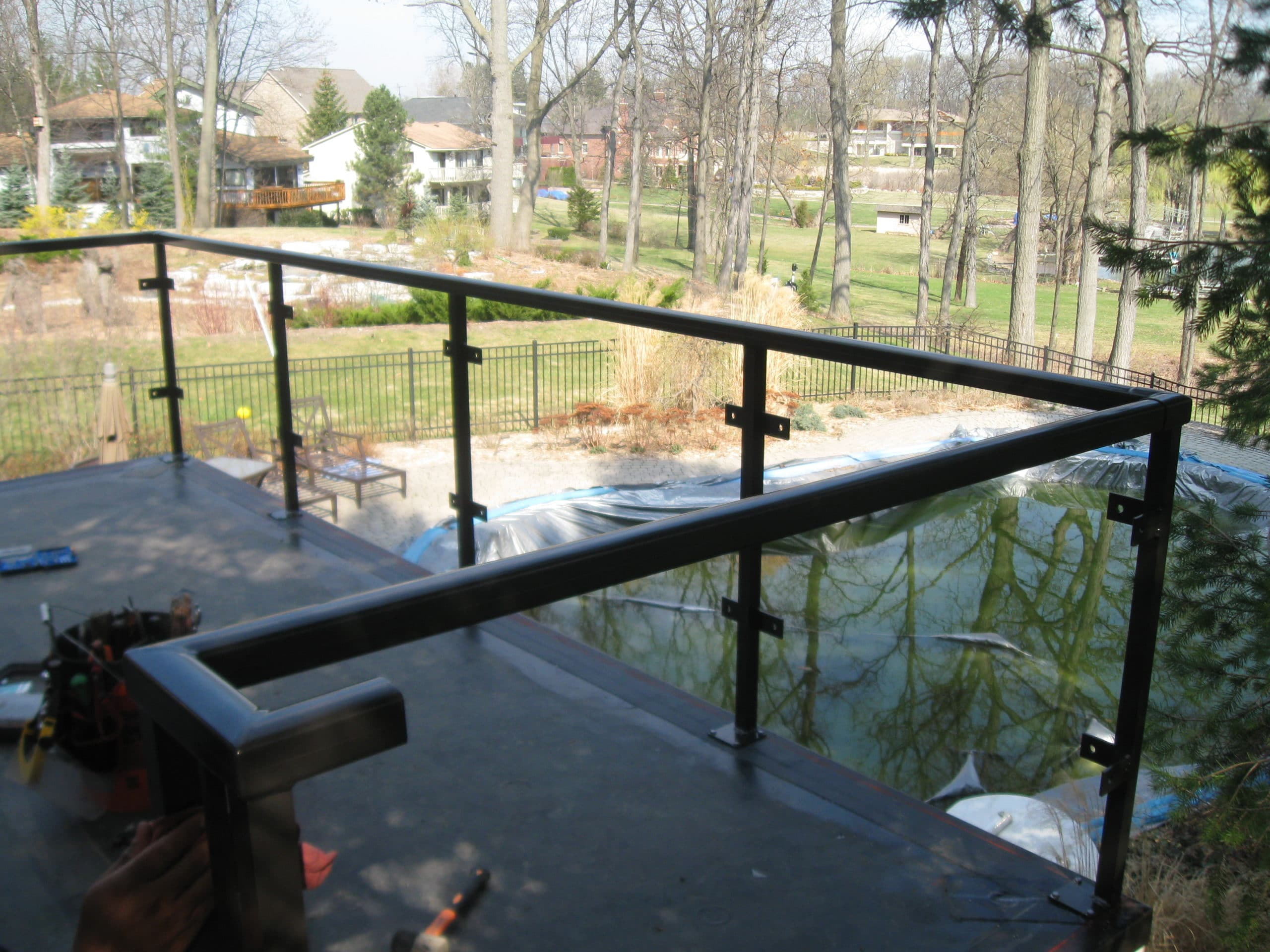 Custom metal (aluminum ACR4500®) and glass portico railings at Private Residence (4)