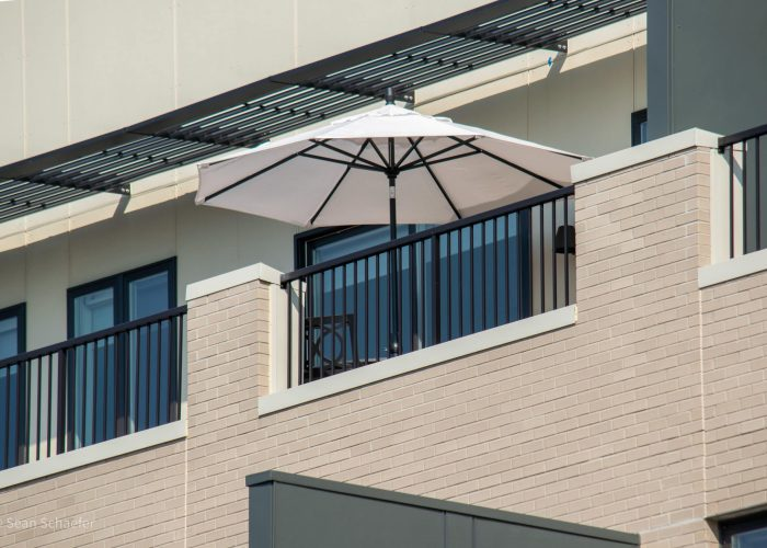 Custom aluminum ACR4500® balcony railings